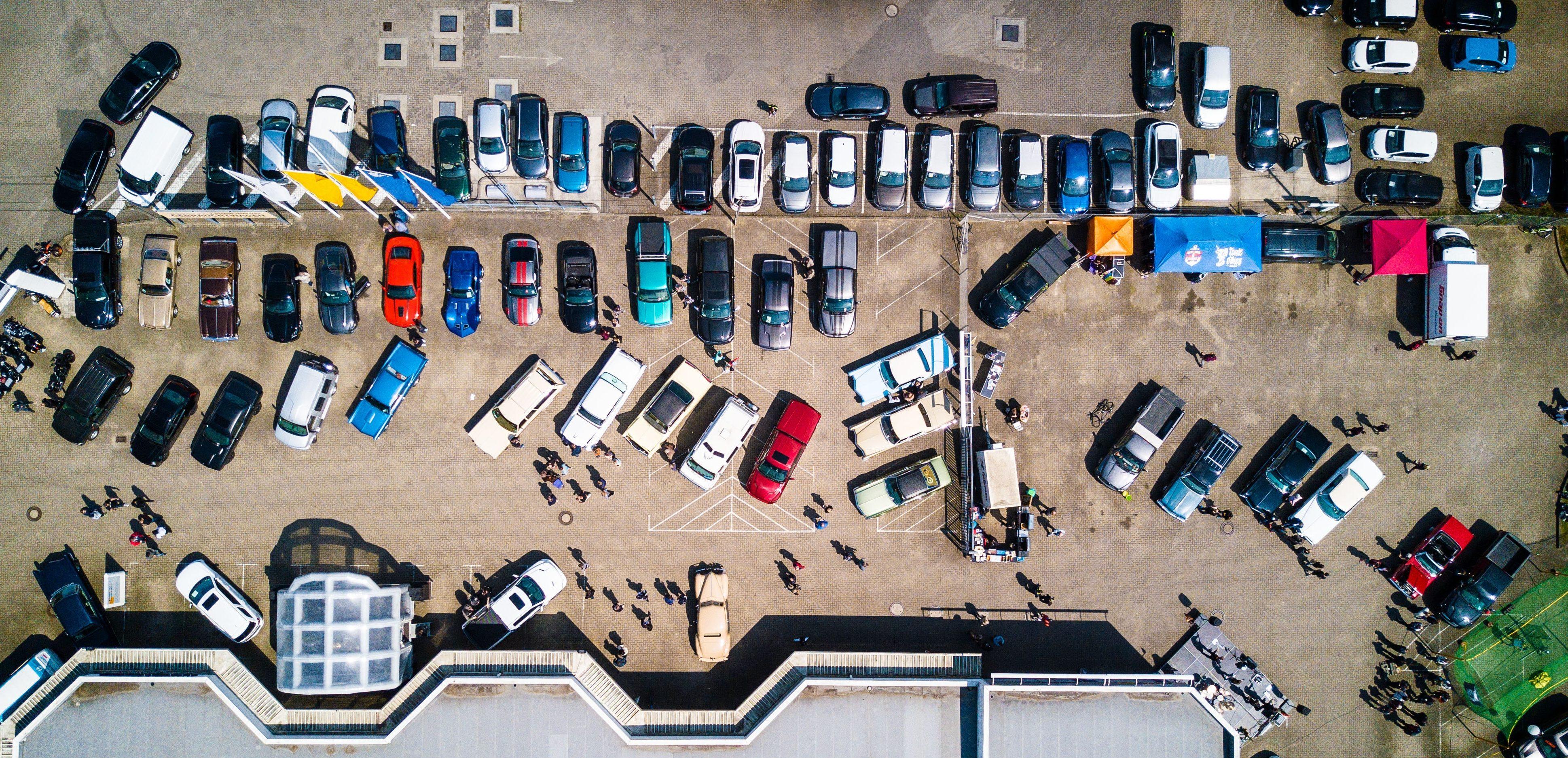 Voar sobre patrimônio das pessoas representa um risco. Foto: pexels.com